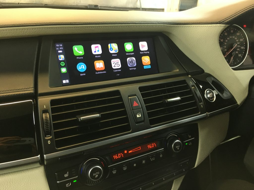 Retrofit CarPlay and Android Auto kit for the BMW X5 E70
