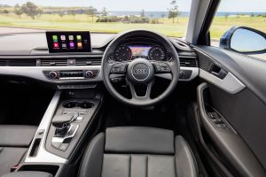 Retrofit CarPlay and Android Auto Kit in an Audi A4 2017