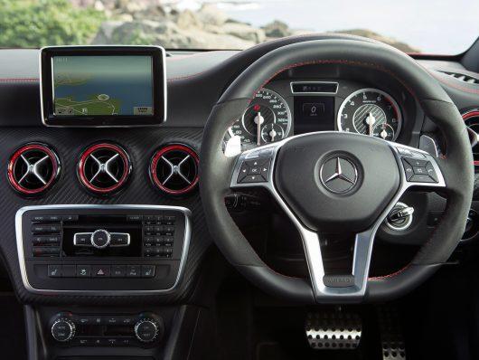 Mercedes Benz  (2010-2015) NTG 4 5/4 7 Retrofit CarPlay and Android Auto  Upgrade Kit