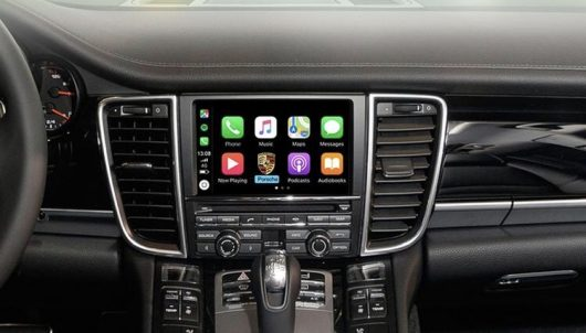 Retrofit CarPlay and Android Auto kit for PCM3.1 Porsche