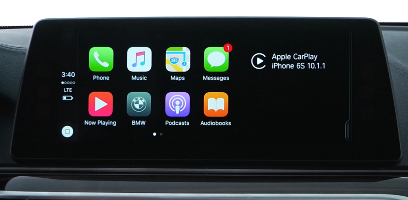 Split screen Apple CarPlay